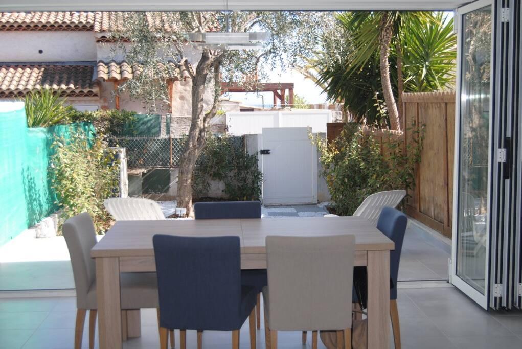 terrasse jardin avec accès privé plage