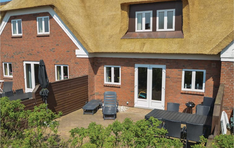 Holiday apartment with 3 bedrooms on 90 m² in Blåvand