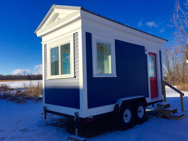 Bitty Bot - the Cutest Tiny House in Trumansburg