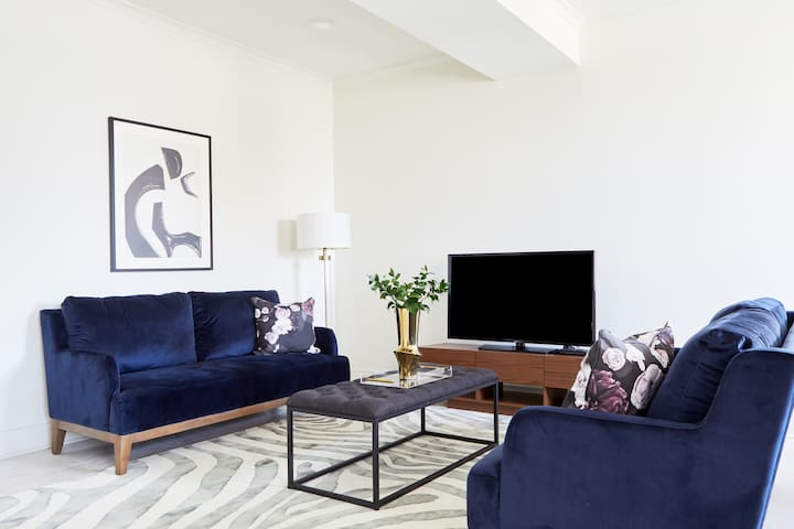 Sonder | Canal Street | Charming 1BR + Sofa Bed