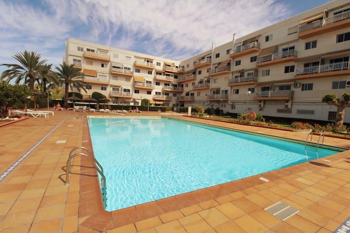 Apartamento con dos piscinas en Playa del Inglés.