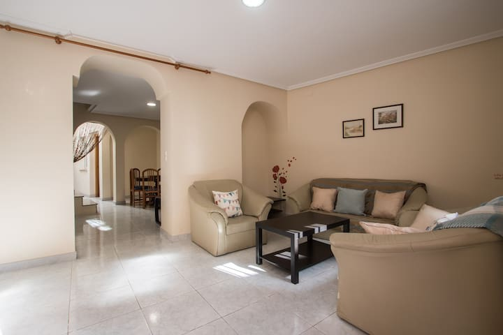 Beautiful Holiday home Villalonga - Vilallonga - Casa