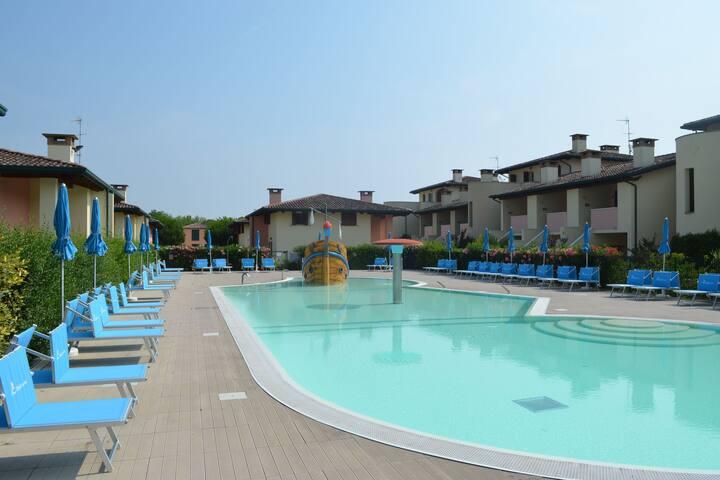 Cosy Apartment in Lido delle Nazioni with Pool