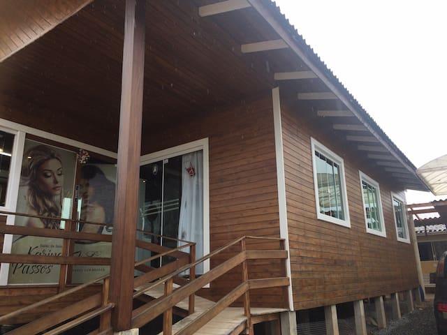 Casa em Camboriú 7km de Balneário - Camboriú - House