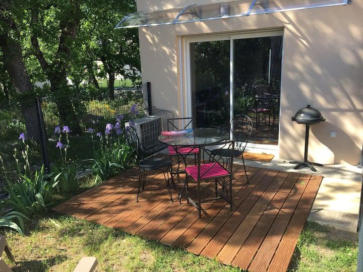 Appartement neuf avec accès piscine, proche Voguë