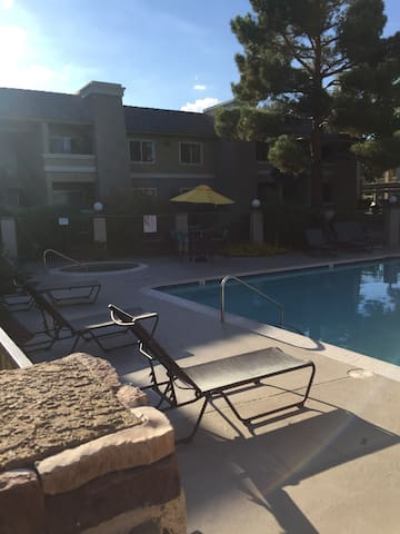 2 Bedrooms 2 Bathrooms 24 hr pool access! Welcome!