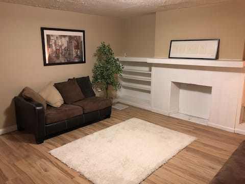 Affordable & Clean Room C (CMU - PITT - DOWNTOWN)