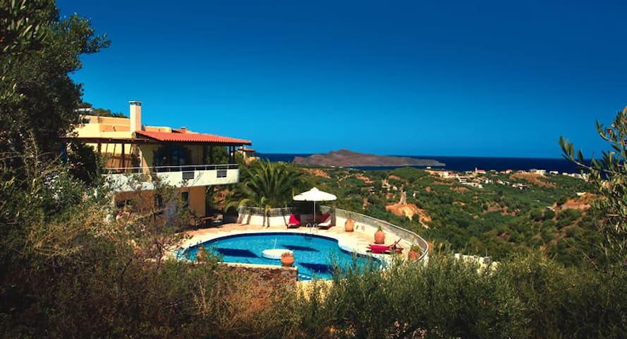 Big villa private pool,sea view,4bedrooms,wifi,bbq - Stalos - Villa