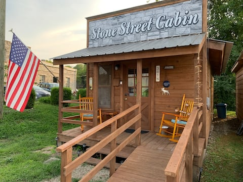 Stone Street Cabin-A stone throw away from it all!