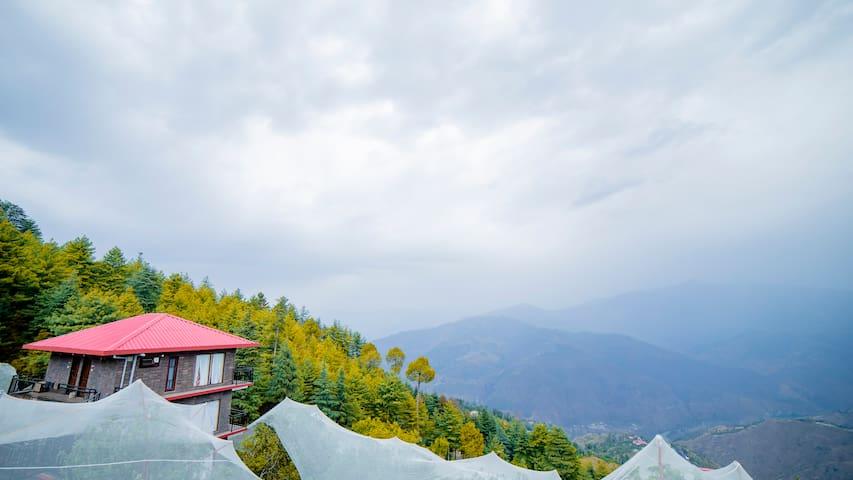 Aaramgah-The Alpine Farm Stay