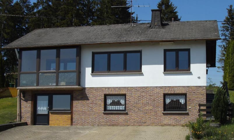 Holiday Home - Rollmann, 54578 Nohn/Eifel/Nürburgring