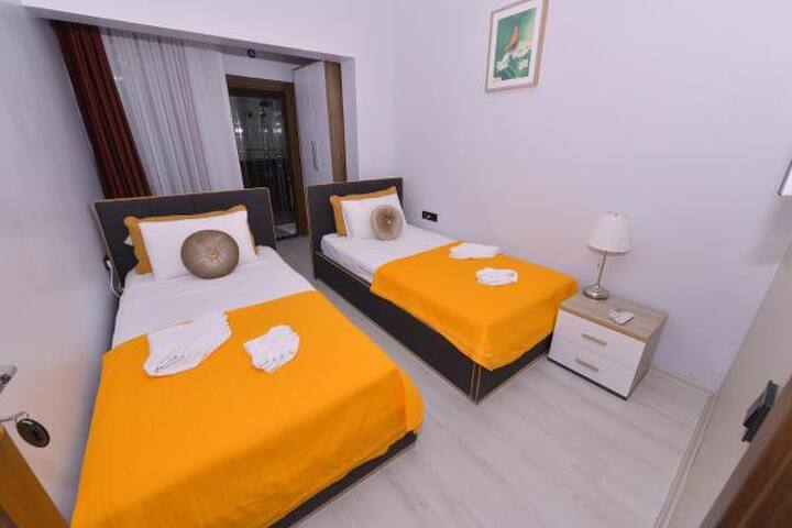 Oliva Hotel, Twin bed, Daily serviced, Free wifi