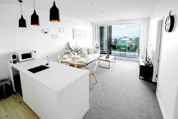 Amazing Birkenhead seaside apartment