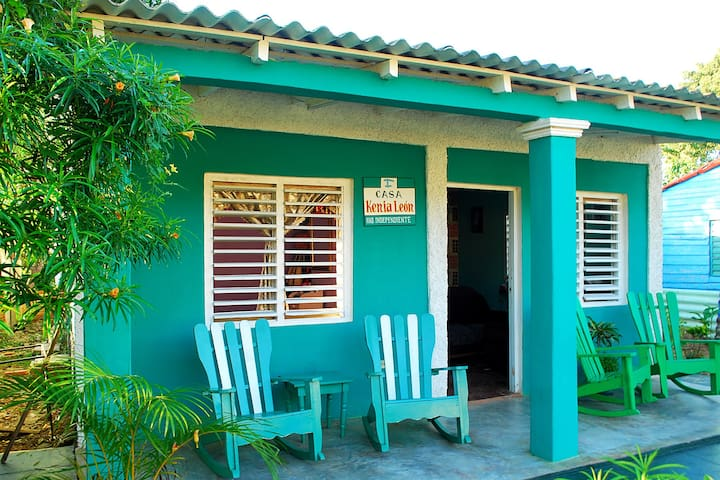 Casa Kenia Leon (Vista a la Montaña) WIFI - Hab. 1