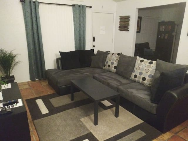 Centrally located 2bed/2bath Condo with Den/Office