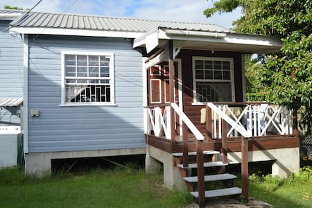 Studio walking distance to Pebbles Beach - Bridgetown