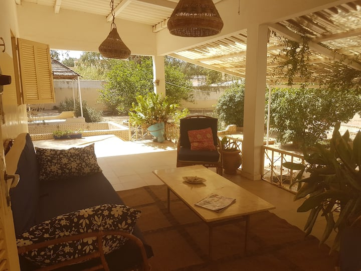 Chambre à louer dans maison avec jardin