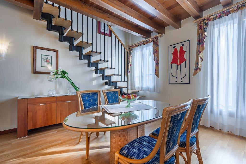 Big apartment for 4 appartamenti serviti in affitto a for Piani di aggiunta della camera da letto del primo piano