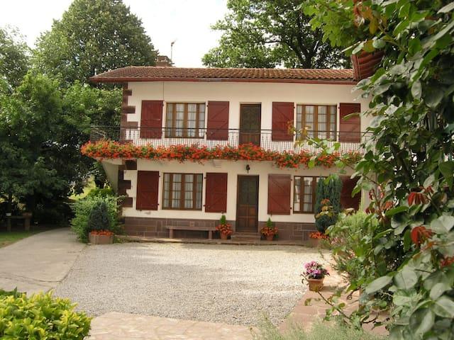 Gîte au coeur du Pays Basque (Bas)