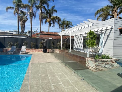 The Claremont Studio - An urban-oasis with pool!