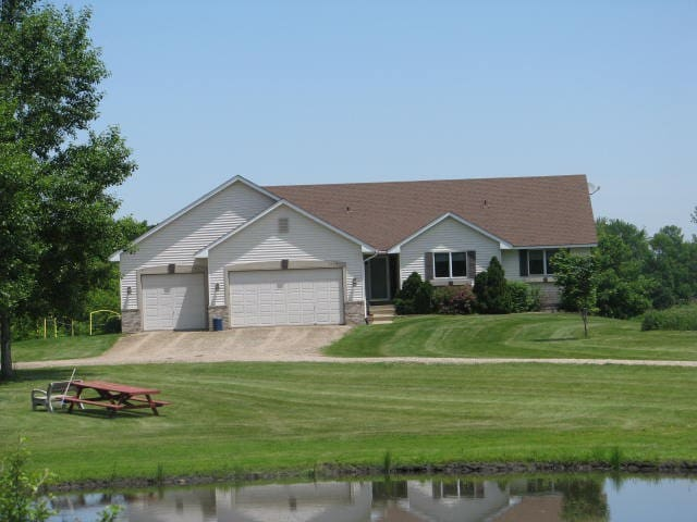 Quiet House in the Country - Northfield - Hus