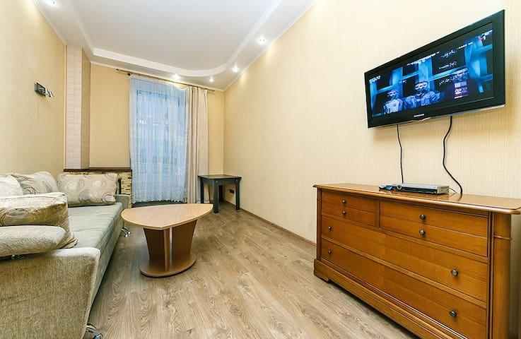 Quiet apartment near Khreshchatik