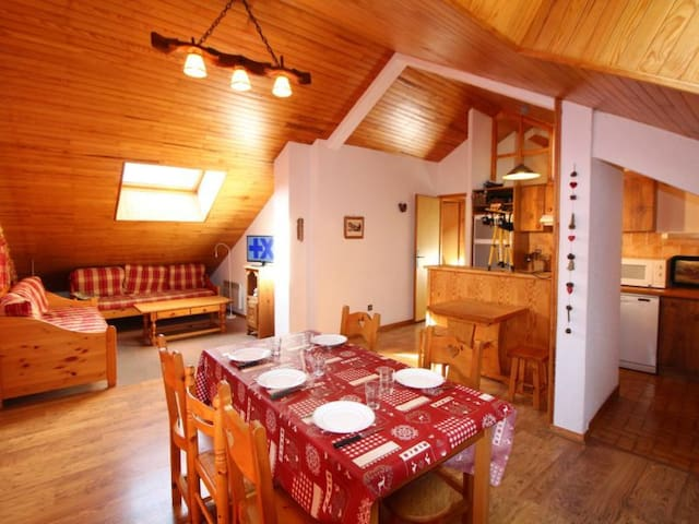 CHAMPAGNY - 8 pers, 100 m2, 4/3