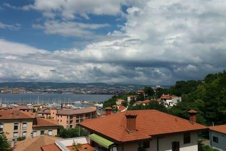Appartamento panoramico Vista sul Golfo di Trieste - Muggia - Flat