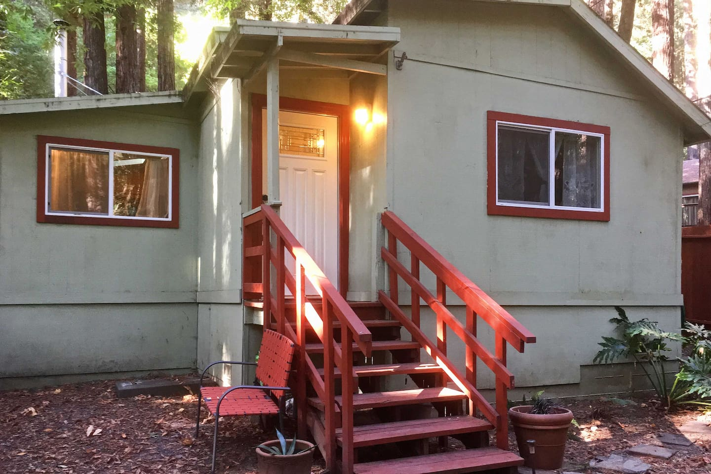 Step outside to relax in your private Redwood paradise!