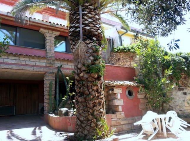 Villa Panorama - Magomadas - House