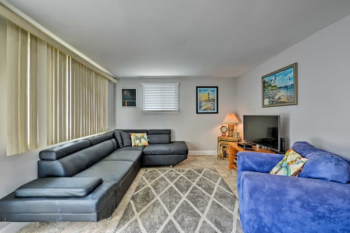 Pet-Friendly Getaway w/ Patio, < 1 Block to Beach!