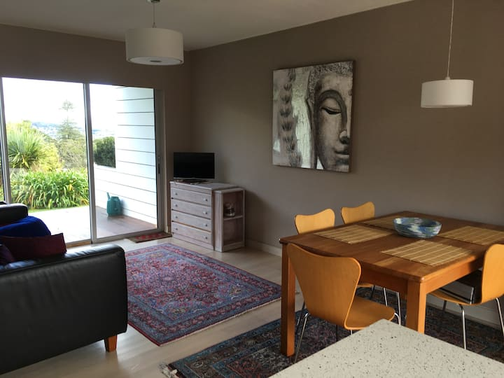 Luxury apartment in Auckland 1 May-30 August 2021