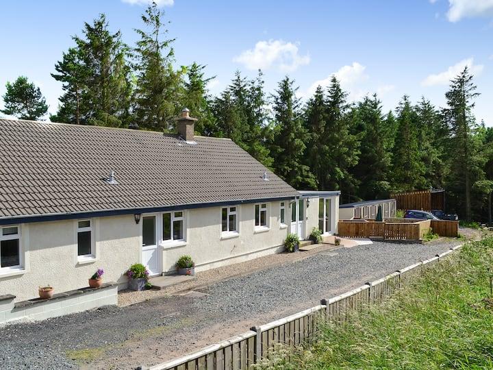 Pine Tree Cottage-UK5515 (UK5515)