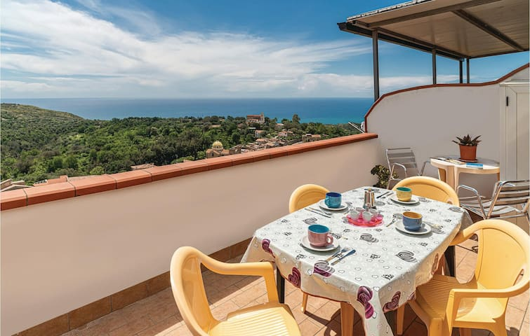 Holiday apartment with 2 bedrooms on 50m² in Lentiscosa -SA-