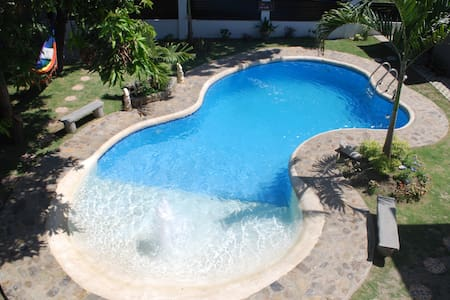 Beautiful bungalow w/ swimming pool Binan, Laguna