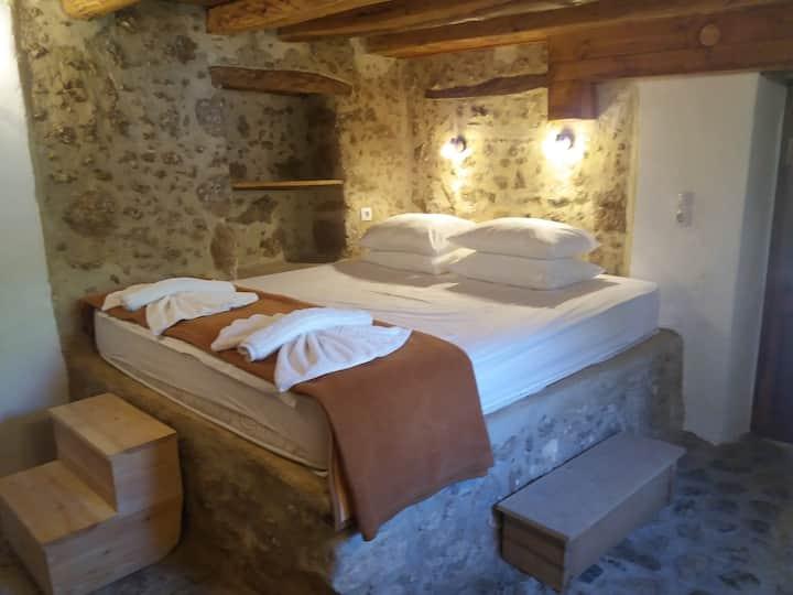 Heracles Traditional Cretan House 1