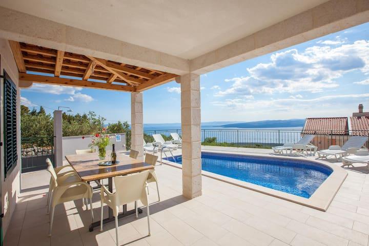 Villa White Magic, peaceful, heated pool,4bedrooms