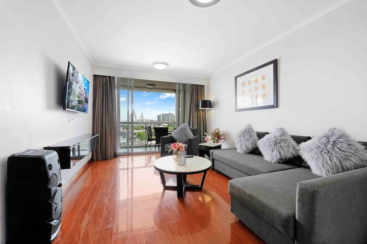 SYDNEY DARLING HARBOUR PRIVATE SUITE & ENSUITE....