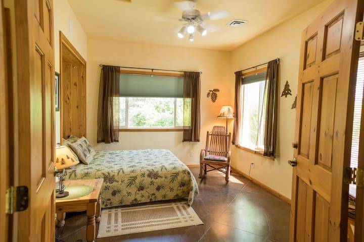 Ponderosa Pine Room in the High Country Inn