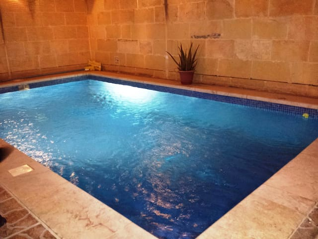 Ramla Relax, Private En-Suite Room with Patio - Nadur - Rumah