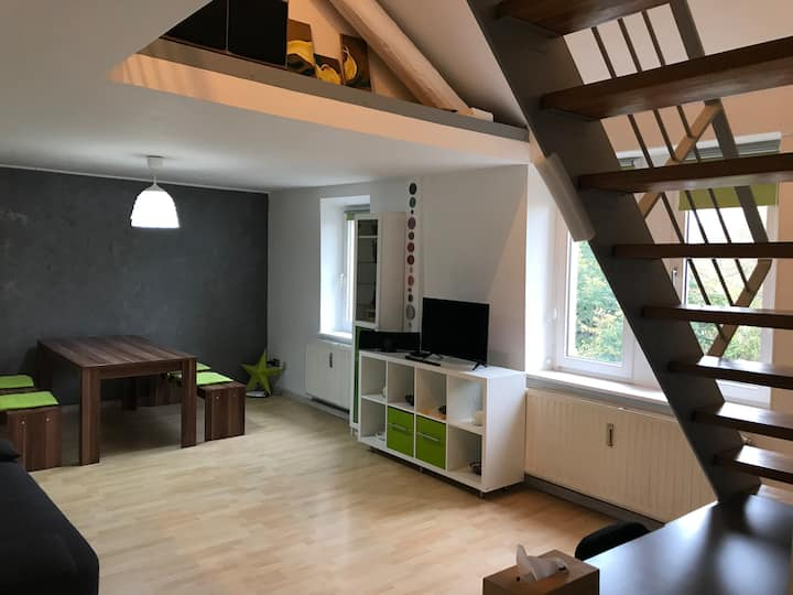 ♥ 72 sqm Duplex 5' to Station & Center + NETFLIX ♥