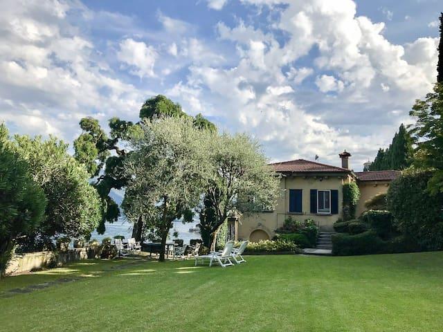 Villa Vica  - Lake Front - sleeps 8