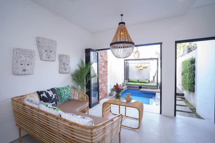 NEW Seminyak private pool loft villa w/ wifi M4