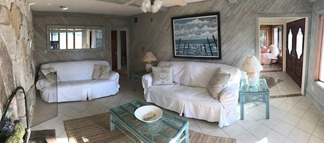 "Four Bedroom Cottage at the ""Point"" of Longport!"