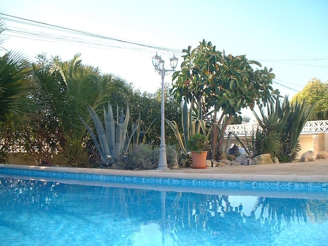 2 Bed Apartment - Nr Javea/Moraira ( private pool) - Les Fonts - Pis