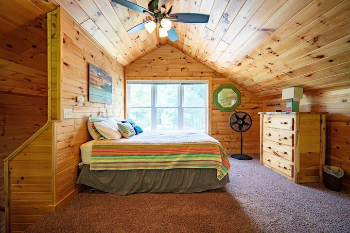 The loft, queen bed