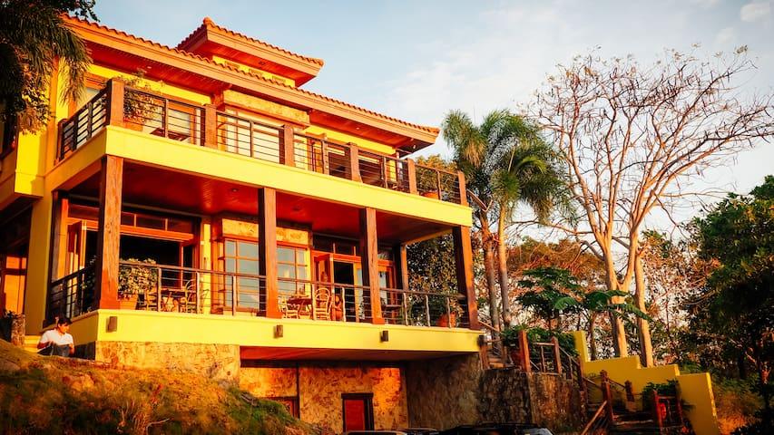 Punta Fuego Beach House - Nasugbu - House