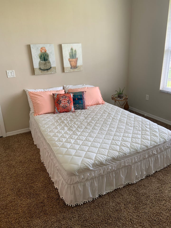 Cozy Bohemian Bedroom Near Orlando Airport, Parks