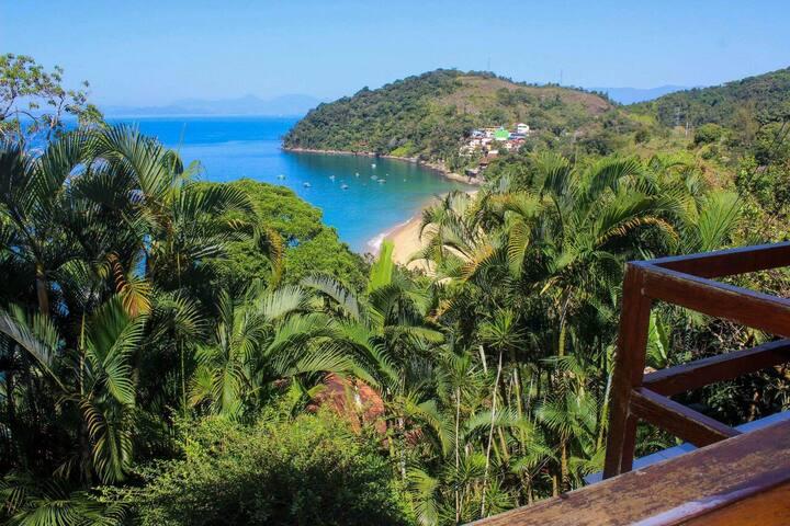 Casa em Angra, condomínio fechado, praia!