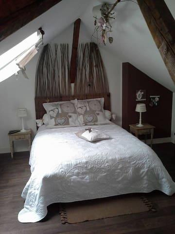 Chambre d'hôte à Péronne  - Doingt - Apartemen